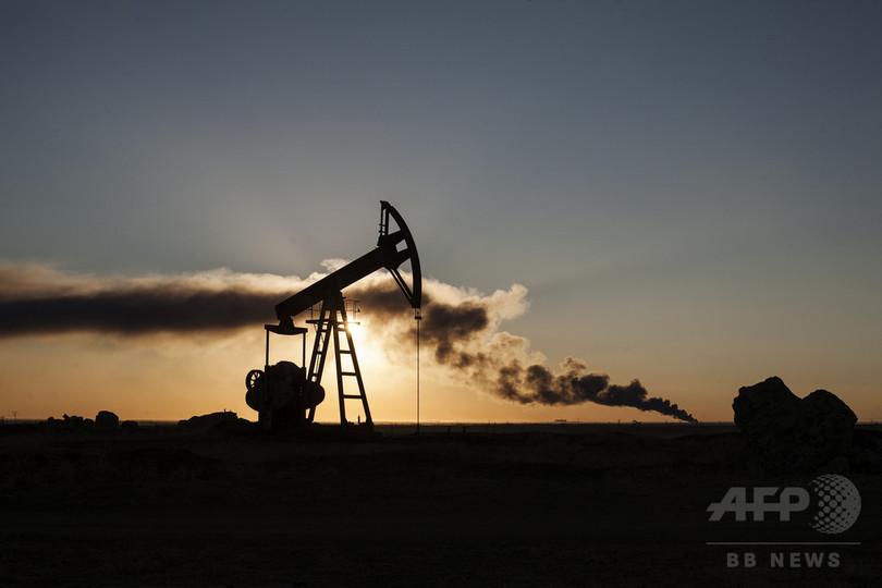 原油急落、2015年は生産国で経済危機などの恐れも