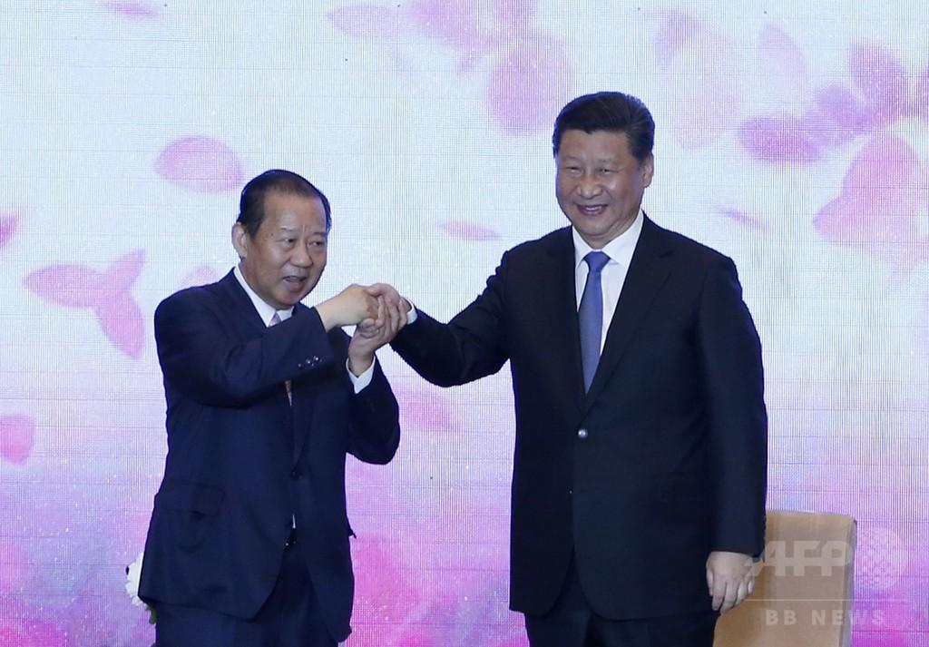 中国の習主席、日本に友好姿勢示す 歴史認識はけん制