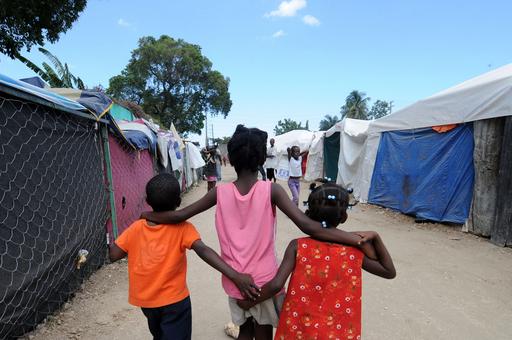 子どもを出国させようとした米国人ら逮捕、ハイチ