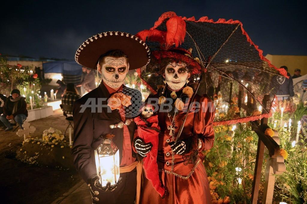 ゾンビとミイラが宝石強盗、「死者の日」のメキシコ