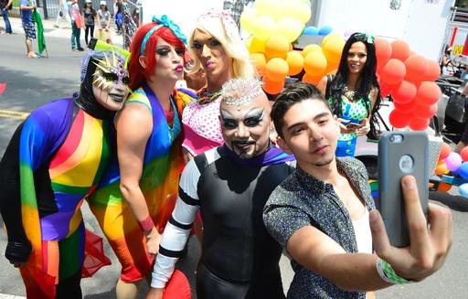 中米コスタリカで「ゲイ・プライド・パレード」、オーランドへの連帯も
