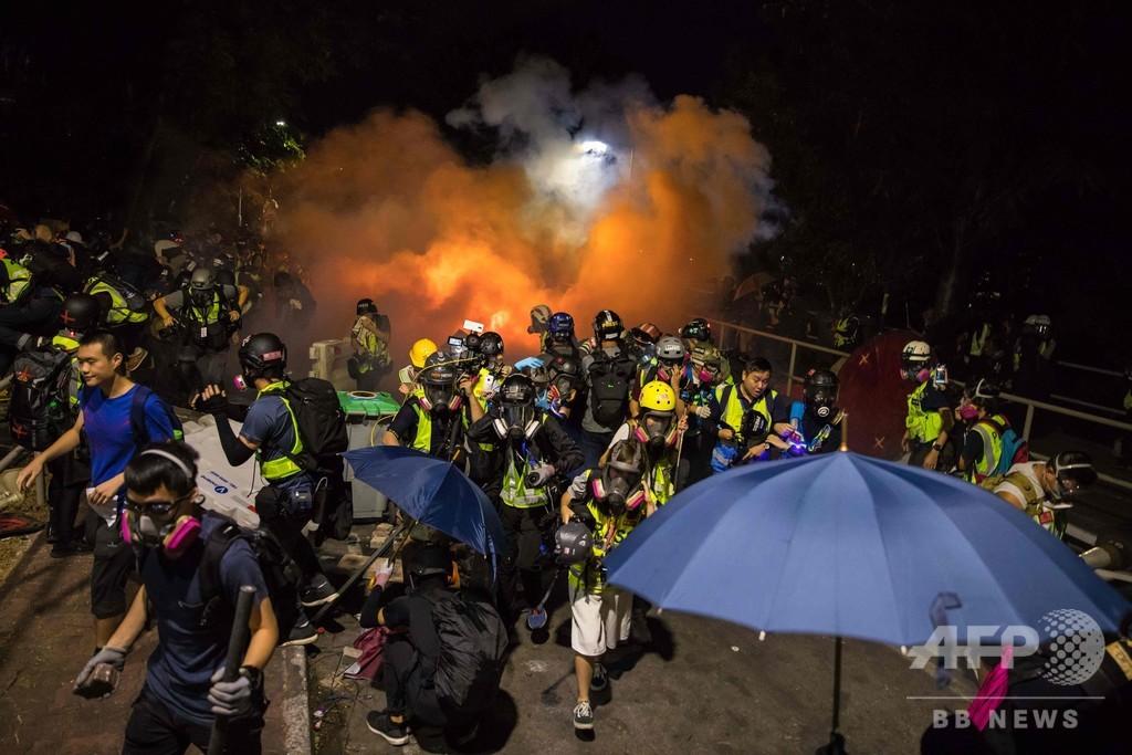 中国本土の学生ら相次ぎ香港脱出、台湾人学生も大量帰還へ
