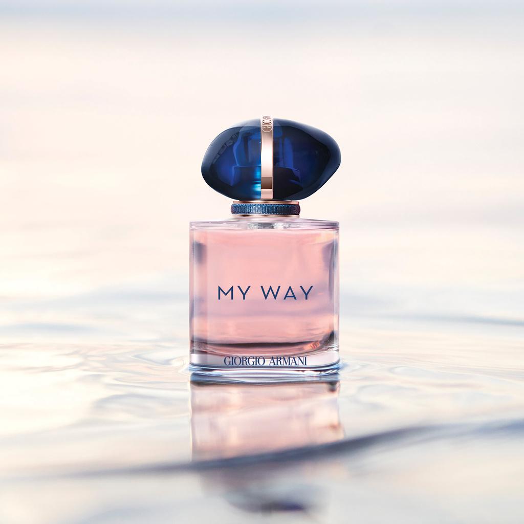 旅するあなたに寄り添うホワイトフローラルブーケの香り「マイ ウェイ」