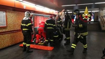 動画:伊首都でエスカレーター事故 ロシア人サッカーファンのジャンプ原因か