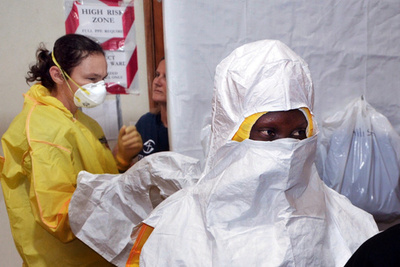 エボラ治療施設を率いた医師、自らも感染して死亡 シエラレオネ