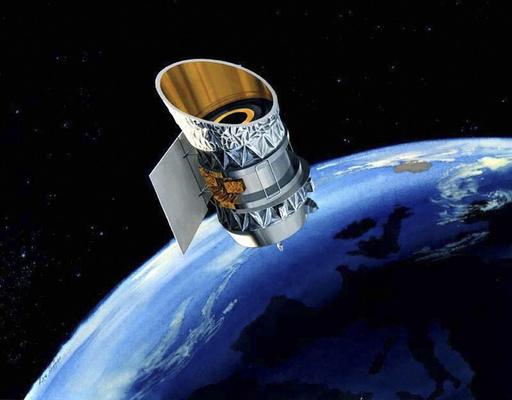 衝突危惧された大型廃衛星2基がニアミス、宇宙ごみの大量飛散免れる