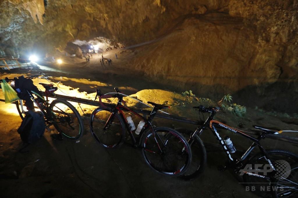 豪雨のタイ、洞窟内で少年ら13人行方不明 捜索続く