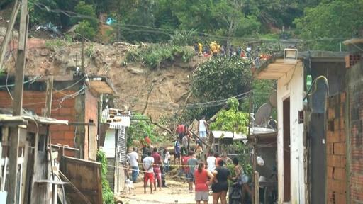 動画:ブラジル南東部で豪雨、21人死亡 数時間で1か月分の降水量