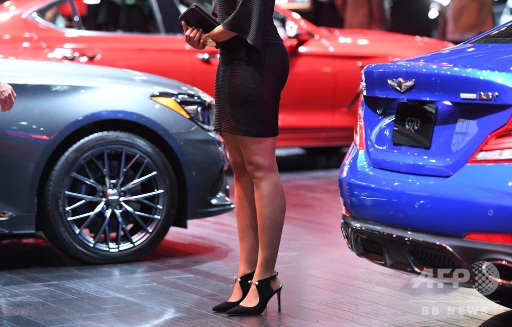 お飾りからスペシャリストへ、コンパニオンの役割に変化 米自動車ショー