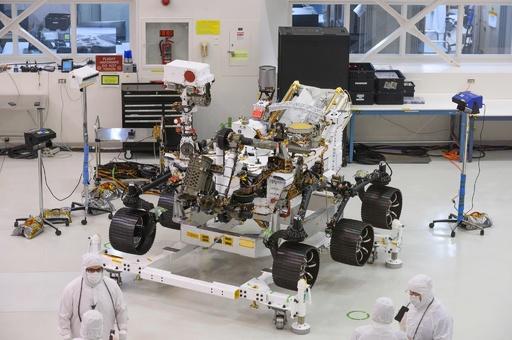 NASA、来年打ち上げの火星探査車「マーズ2020」公開 有人探査へ地ならし