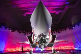 武器輸出トップは米国、アジア・中東で輸入増 報告書