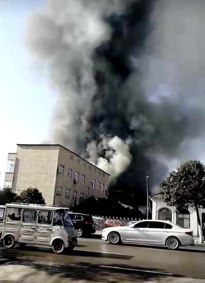 河南省商丘市の企業で火災、11人死亡