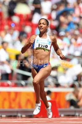 アーロン 女子100メートル2次予選進出 写真2枚 ファッション ニュース ...