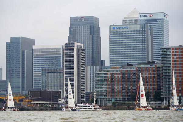 英大手銀、17年前半に海外脱出か 中小銀は年内にも 銀行協会