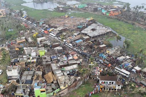 大型サイクロン「ファニ」、インドとバングラデシュで死者24人