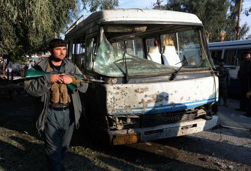 アフガン東部で自爆攻撃、8人死亡15人負傷 ISが犯行声明