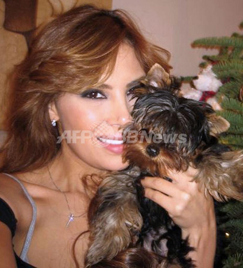 コロンビアのモデルの女、麻薬密輸容疑で逮捕