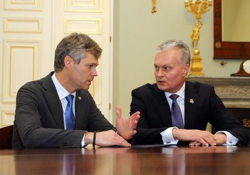 リトアニアとロシア、冷戦時代のような「スパイ交換」
