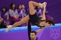 中国ペアがパーソナルベストでSP首位発進、平昌冬季五輪