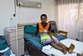 水がんで顔を失った患者たちに希望の光、コートジボワール