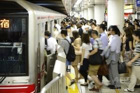 公共交通で通勤、徒歩・自転車より健康的?研究