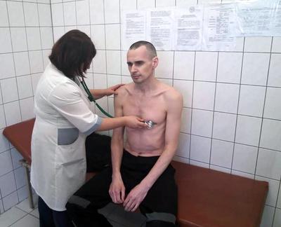 ロ政府、獄中ハンストのウクライナ人映画監督の写真公開