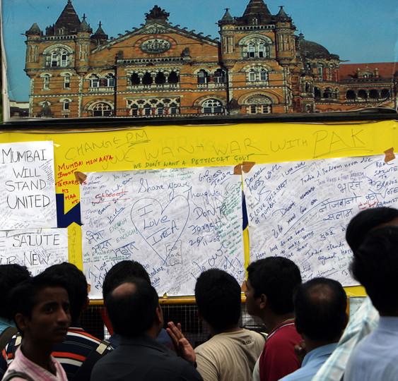 インドがパキスタンに容疑者引き渡し要求、ムンバイ同時襲撃