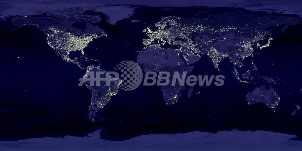 日本列島もくっきり、「光」の世界地図 NASA