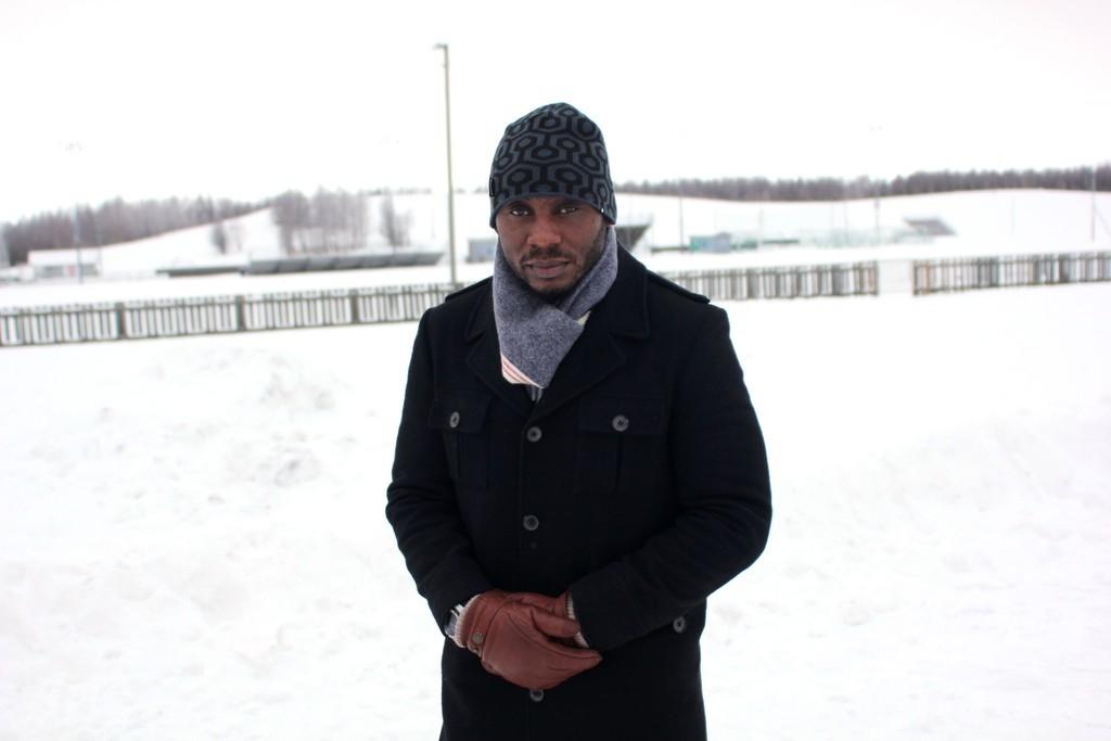 元ナイジェリア代表アモカチ、北欧から黒人指揮官のパイオニア目指す