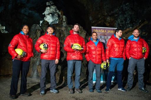 宇宙飛行士の大西さんら、スロベニアの地下洞窟で訓練