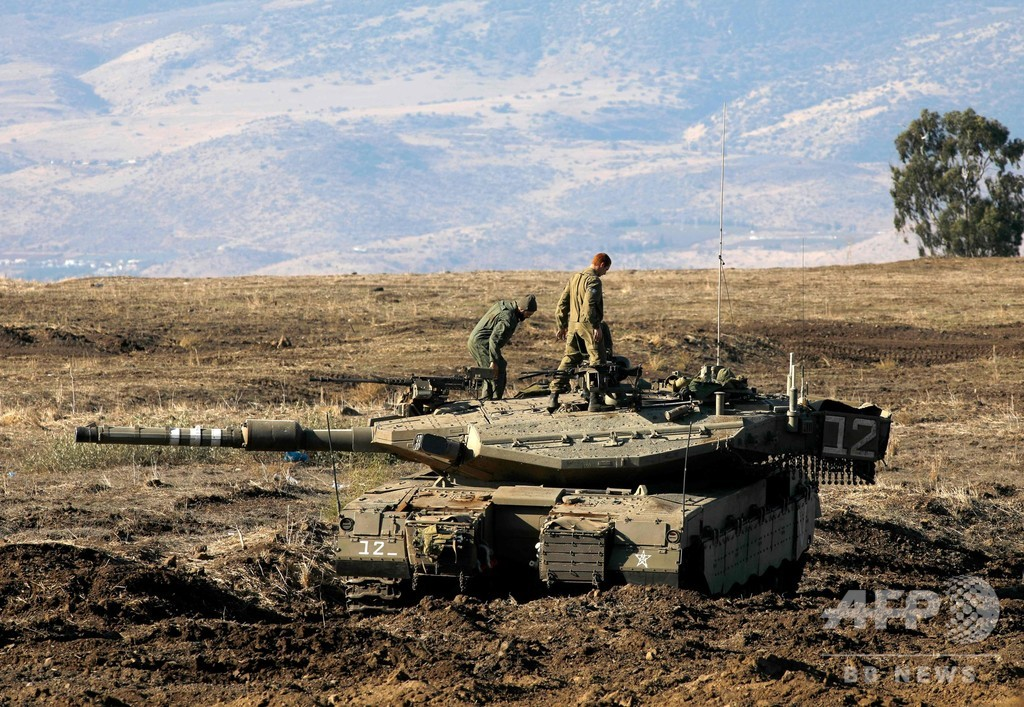 イスラエル、シリアで激しい空爆 23人死亡