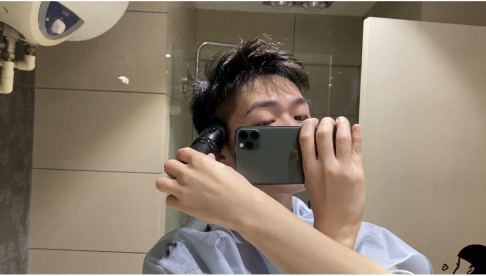 中国でセルフヘアカットに挑む人が急増 新型ウイルスの影響を受け