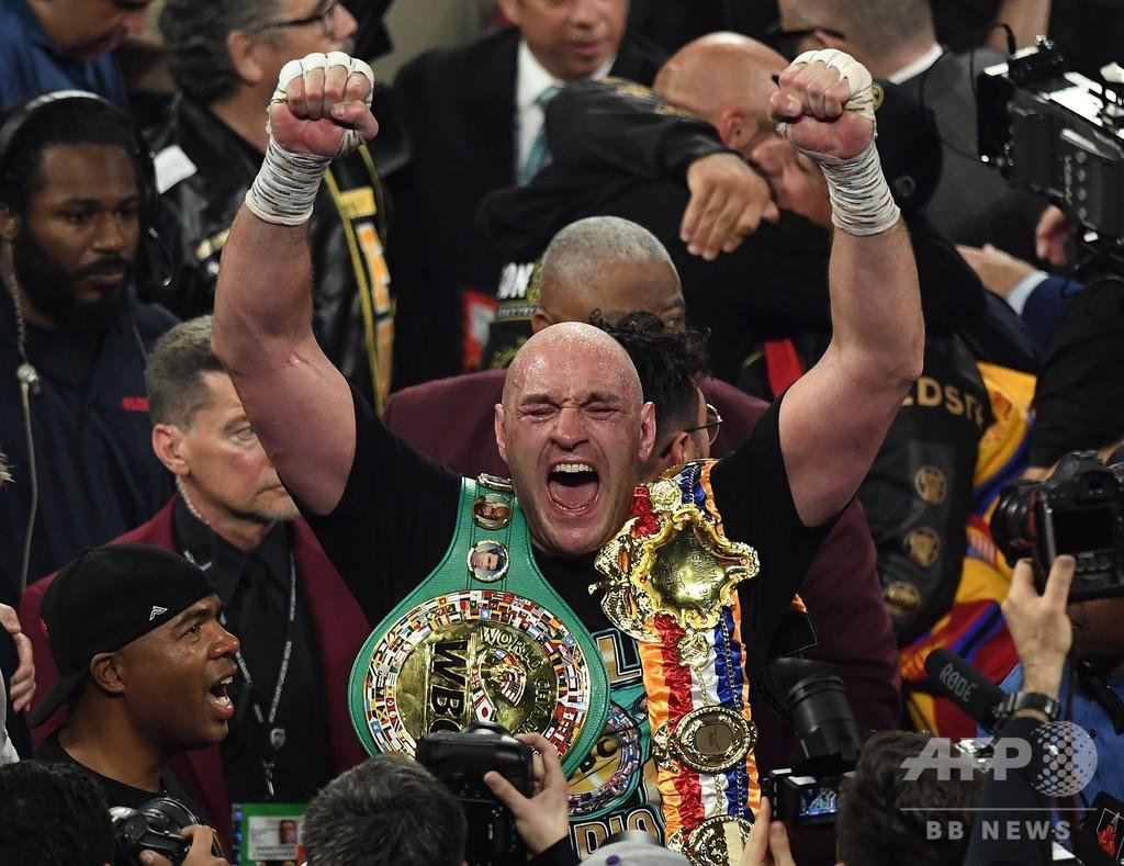 王の帰還! フューリーがワイルダー圧倒、7回TKOで王座奪取