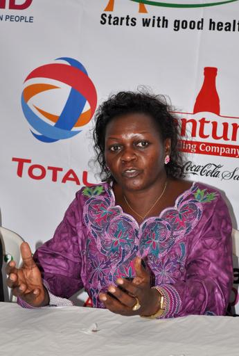 ウガンダ保健相、患者に扮して病院潜入 賄賂要求の職員を摘発