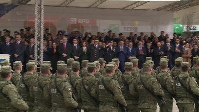 動画:コソボ、独立宣言から10年 治安部隊のパレード開催