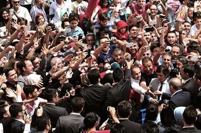 トルコ総選挙、与党が02年以降初の過半数割れ 大統領に打撃