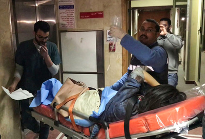 エジプト警察、急襲作戦で「テロリスト」40人殺害 観光バス爆破受け