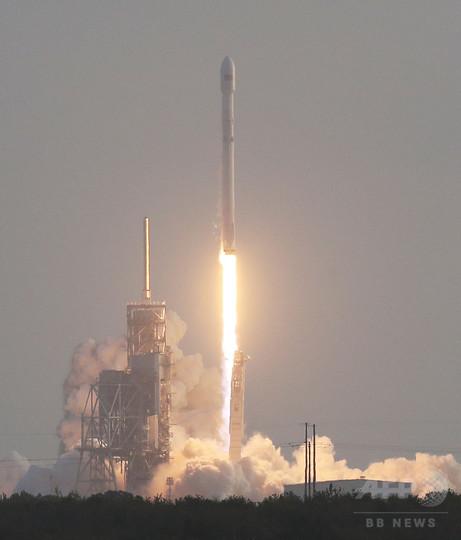 スペースX、米国家偵察局の衛星打ち上げに成功 同社初の軍事衛星