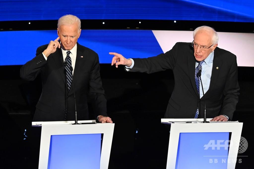 米民主党、大統領選指名争う最後の討論会 戦争や性差別発言めぐり激論