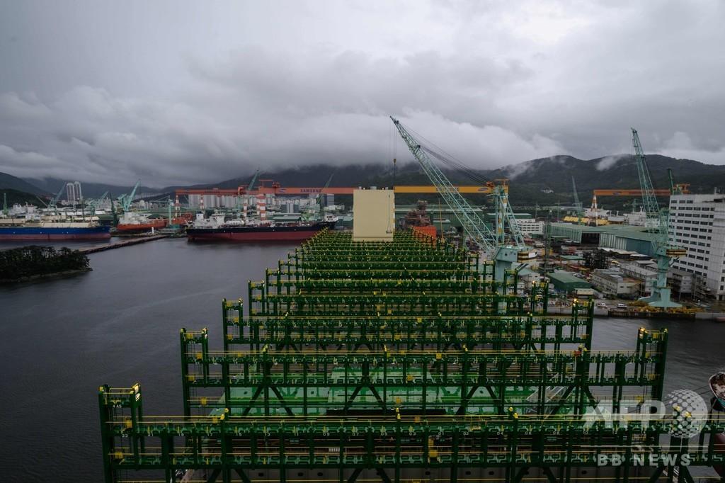 世界最大級のコンテナ船、韓国で完成間近 地球全人口分のチョコパイ積載可能