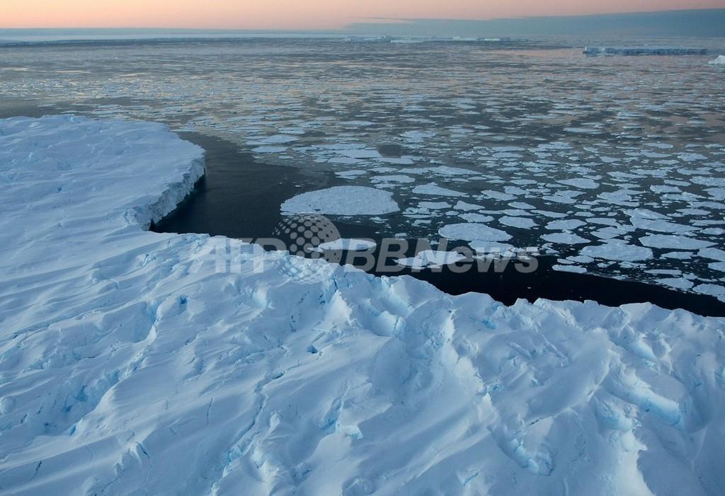 西南極氷床が予想以上の温暖化、国際チームが報告