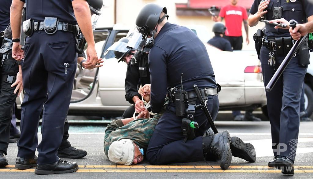 ジャッキー・ロビンソン球場を「野戦留置場」に使用 LA警察に批判
