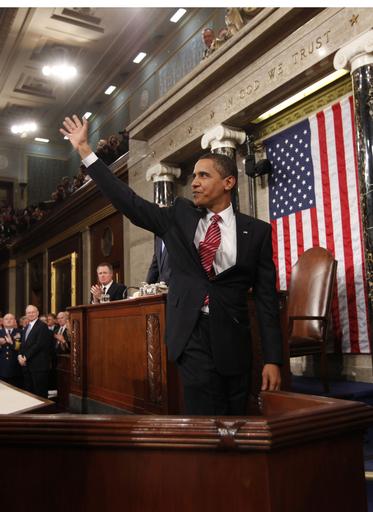 オバマ大統領初の施政方針演説、議場は拍手とやじの交錯