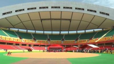 動画:セネガルにレスリング闘技場、中国の資金提供受け 式典に習氏