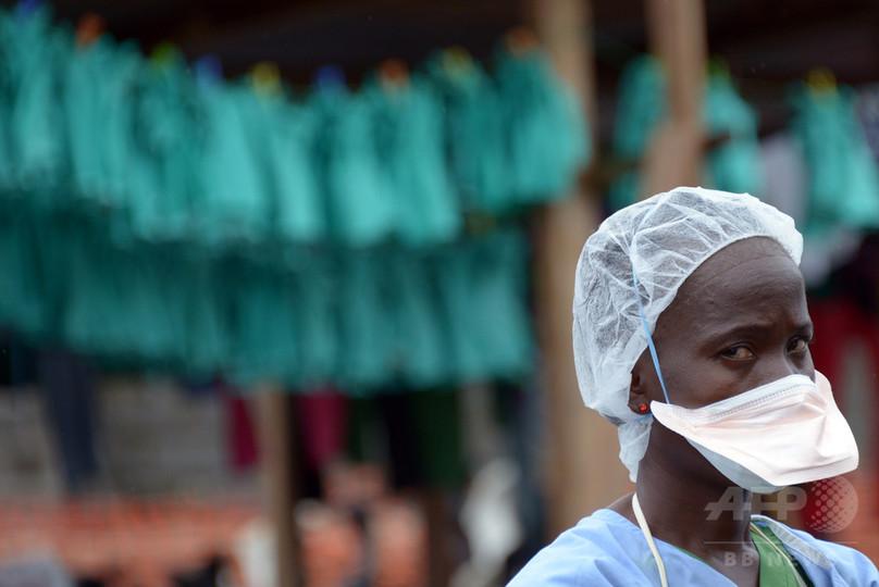 エボラ終息宣言後初の死者、リベリア