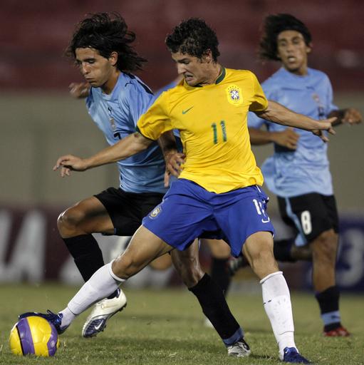<サッカー 07南米ユース選手権>ブラジル パトの活躍でウルグアイを撃破 - パラグアイ