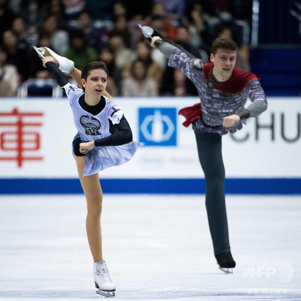 「女帝」トゥクタミシェワが首位発進、宮原は僅差2位 NHK杯