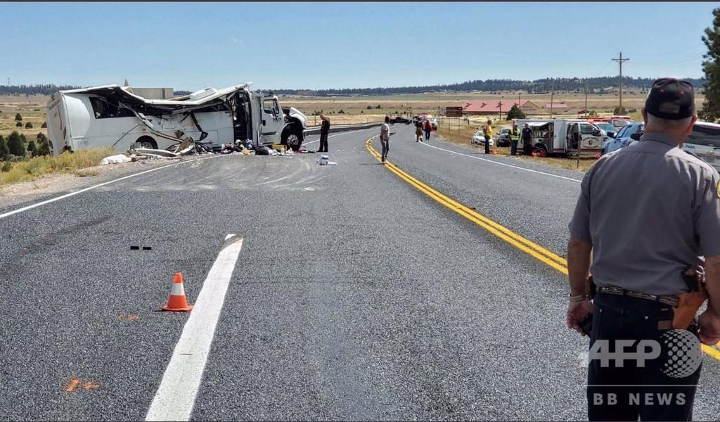中国人観光客乗せたバスが衝突、4人死亡 15人重体 米ユタ州