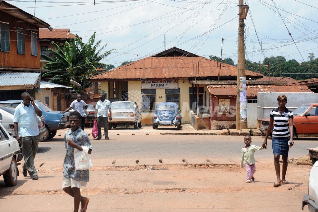 「赤ちゃん製造工場」から少女16人救出、ナイジェリア