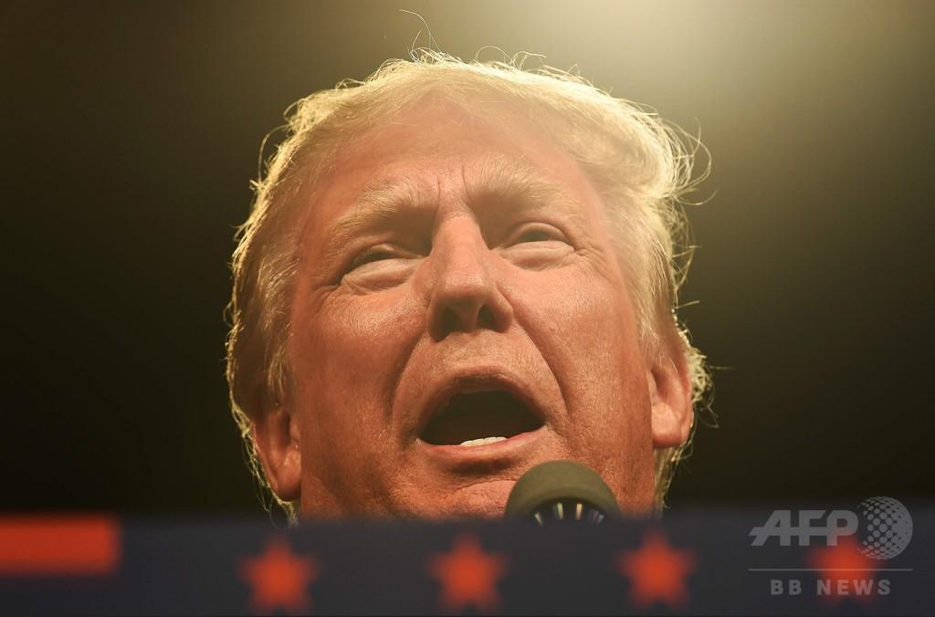トランプ氏、クリントン元大統領の「セックス醜聞」持ち出す用意